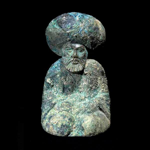 هارونالرشید در شکل شاه شطرنج برنزی زیبا مربوط به دوره عباسیان