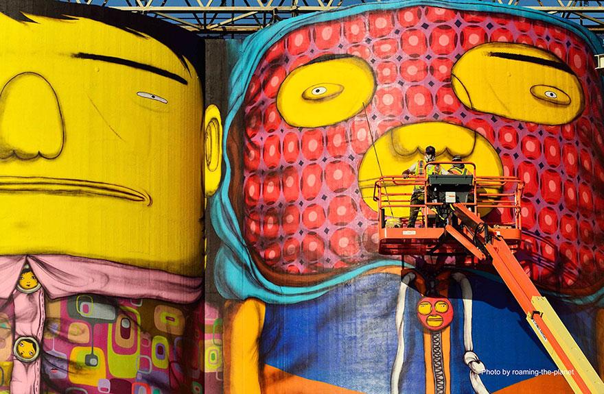 نقاشی شهری دو برادر دوقلو بر روی سیلو های 20 متری