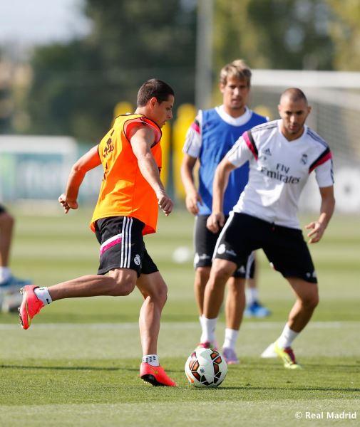 عکس تمرین چیچاریتو در رئال مادرید