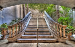 469-stairs.jpg (240×150)