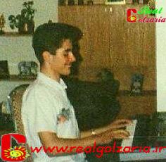 عکس گلزار و پیانو