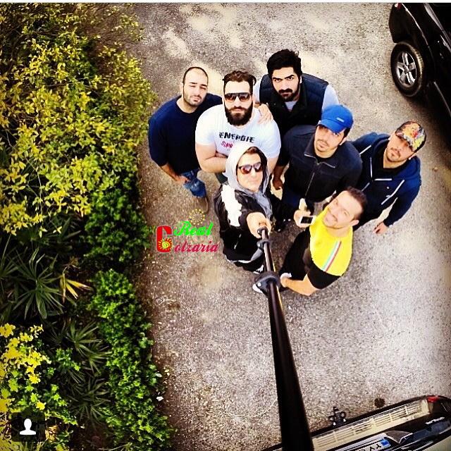 عکس ویژه محمدرضا گلزار با دوستان در کیش