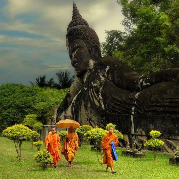 مجسمه بودا در پارك بودا ( كشور لائوس )
