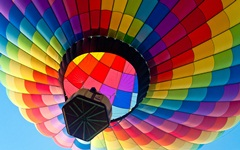 780-colorful hot air blloon.jpg (240×150)