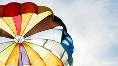 384-skydiving_hot_air_balloon_hd.jpg (240×135)