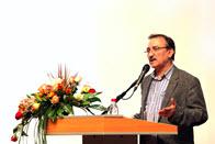 سمینار بررسی عملکرد دفاتر و راهنمایان تور در باغ موزه قصر