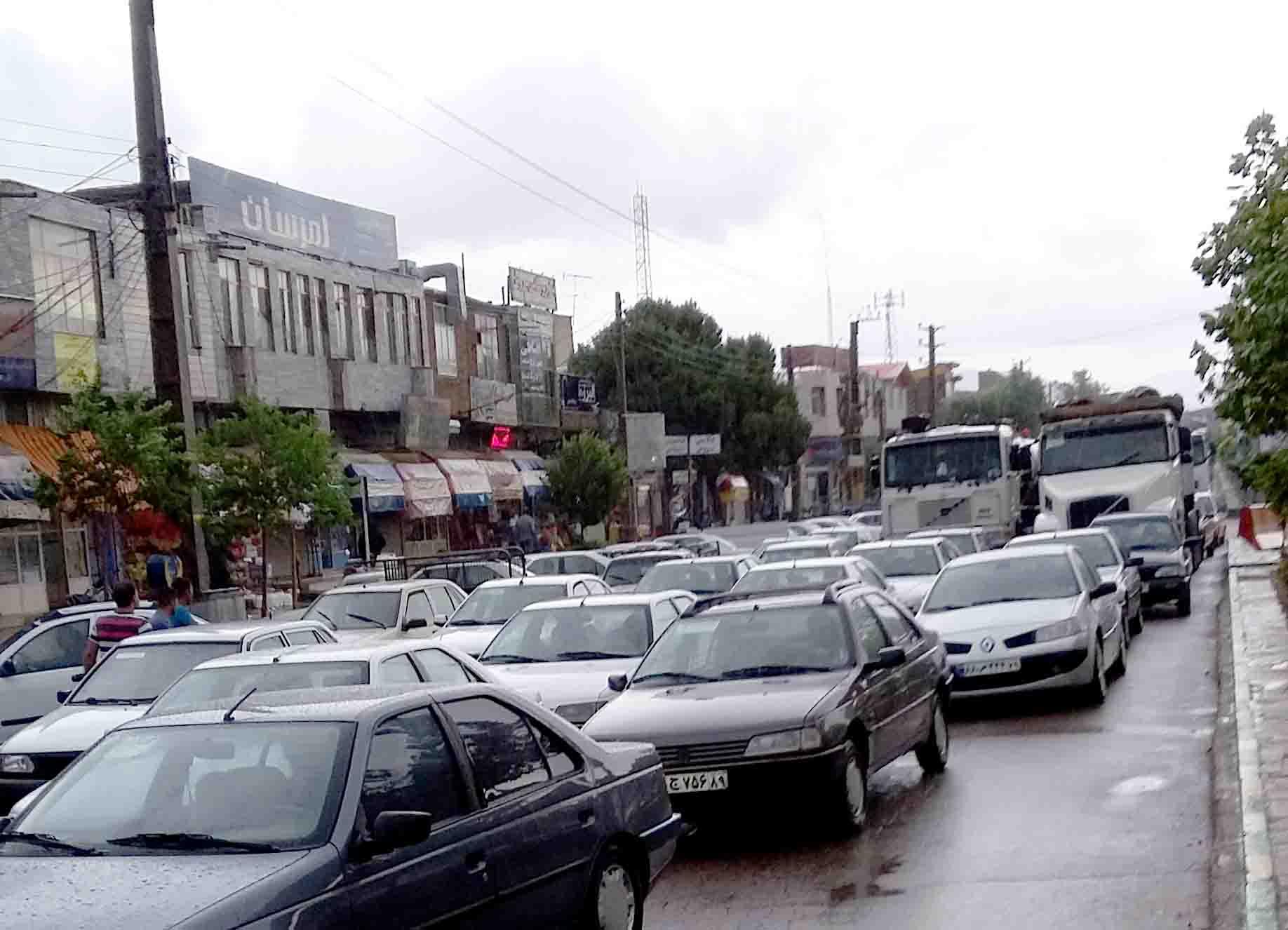 آبگرم+باران+شهر+ترافیک