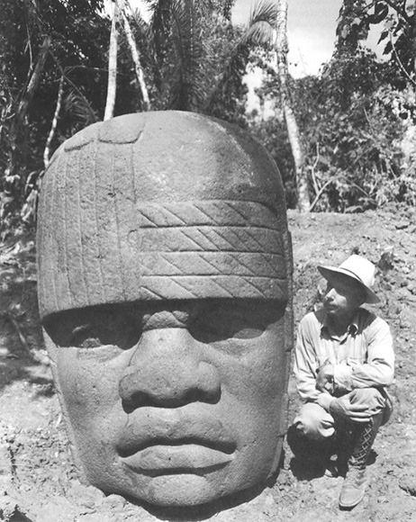سرهای سنگی عظیمالجثه قوم ﺍﻭﻟﻤِﮏ در مکزیک