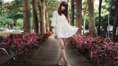 938-beauty_summer_park_fashion_white_dress_smiling_seductive.jpg (240×135)